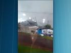 Vídeo mostra telhado sendo arrancado por vendaval no Paraná
