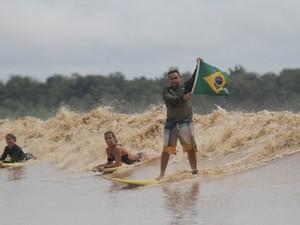 Pororoca é uma das atrações turísticas do Rio Araguarí, no Amapá (Foto: Adriano Monteiro/Divulgação)
