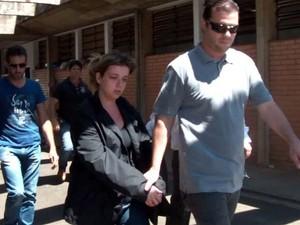 Natália Ponte deixa a cadeia em Franca nesta quinta-feira (14) (Foto: Stella Reis/EPTV)