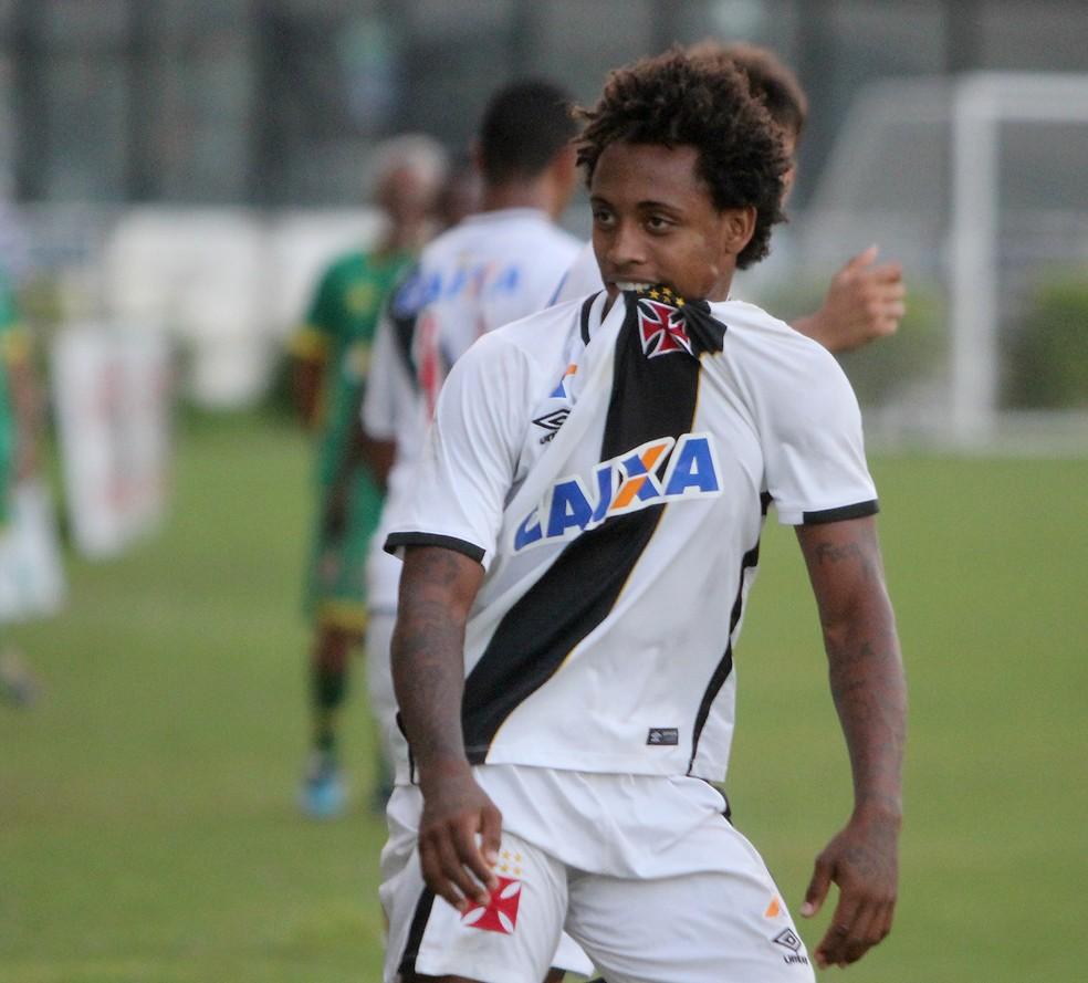 Paulo Vitor, atacante do Vasco, é irmão de Denilson, ex-Avaí e a caminho do São Paulo (Foto: Paulo Fernandes/Vasco da Gama)