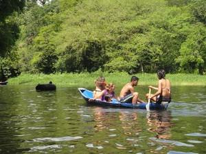 Rio Caraparu abrange todo o teritório de Santa Isabel do Pará. (Foto: Thais Rezende/ G1)