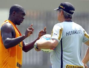 Seedorf no treino do Botafogo (Foto: Jorge William / Ag. O Globo)