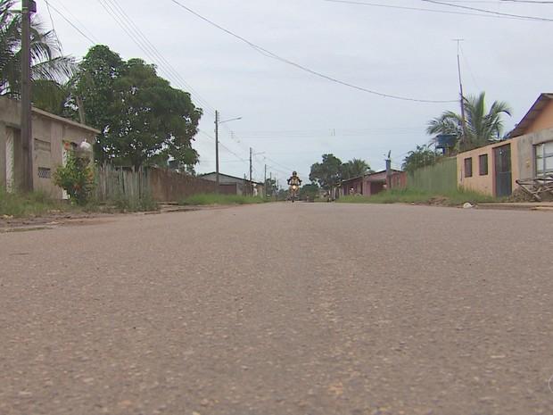 Homem foi encontrado morto na Rua Marabá na madrugada de domingo (26) (Foto: Reprodução/Rede Amazônica no Amapá)