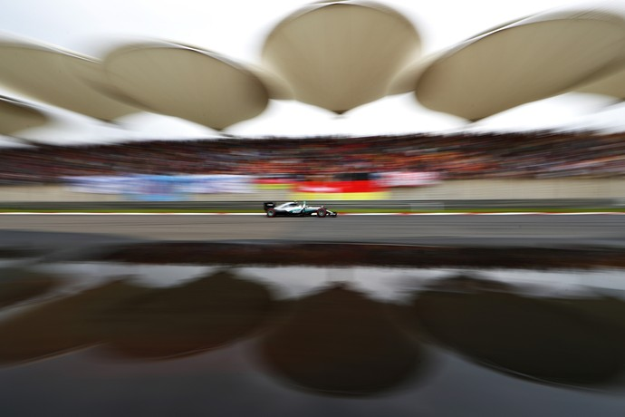 Nico Rosberg faz a pole no GP da China de 2016 (Foto: Getty Images)