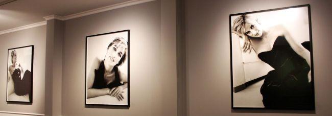 Fotos da Princesa Diana feitas um mês antes da morte dela, fazem parte do acervo do MATE (Foto: Divulgação)