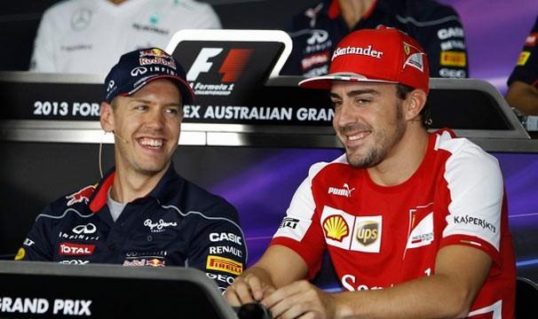 Vettel e Alonso se enfrentam no GP da Austrália (Foto: Reuters / GloboEsporte.com)