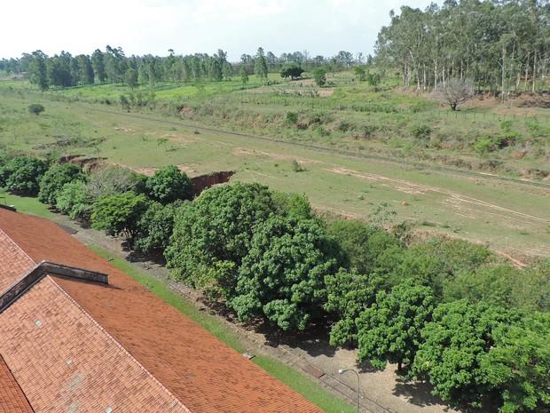 Estação Ferroviária seria às margens da Rodovia Raposo Tavares (Foto: Stephanie Fonseca/G1)