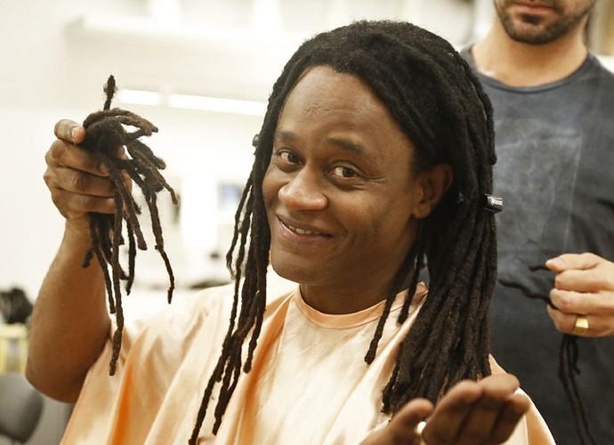 O ator deu adeus ao penteado que usa há anos (Foto: Raphael Dias/Gshow)