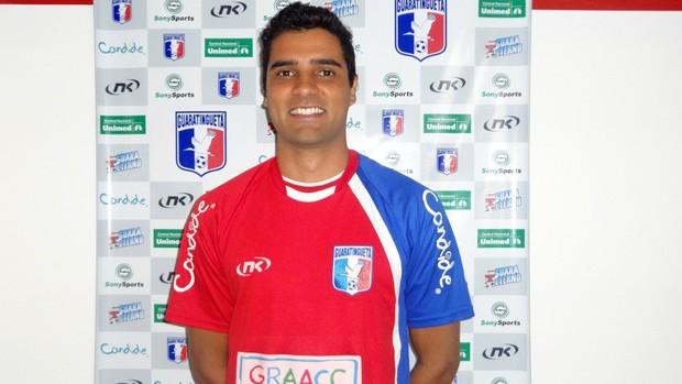 Giovanni lateral-esquerdo Guaratinguetá (Foto: Filipe Rodrigues)