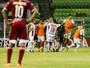 """Gol da classificação do Huracán aos 46 do 2º tempo """"enlouquece"""" narrador"""