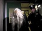 Amanda Bynes vai depor na Justiça com a mesma peruca que foi presa