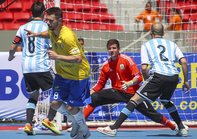 Simi Futsal Brasil x Argentina (Foto  Andre Borges   GDF) 11231fe12a4d6