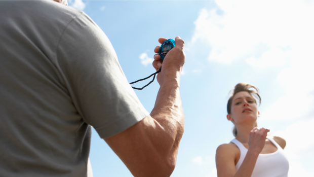 Corredora e treinador euatleta (Foto: Getty Images)