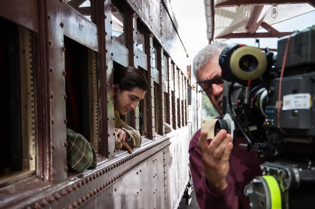 O ator Johnny Massaro com o diretor de fotografia Walter Carvalho no set de 'O filme da minha vida' (Foto: Divulgação/Paula Huven)
