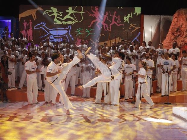 Roda de capoeira toma conta do Esquenta! (Foto: Globo/João Januário)