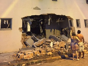 Fundo de um dos bancos após ação dos criminosos (Foto: Luan Cordeiro/Arquivo Pessoal)