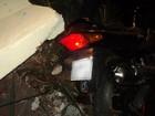 Motociclista e carona morrem após bater em ponto de ônibus no PR