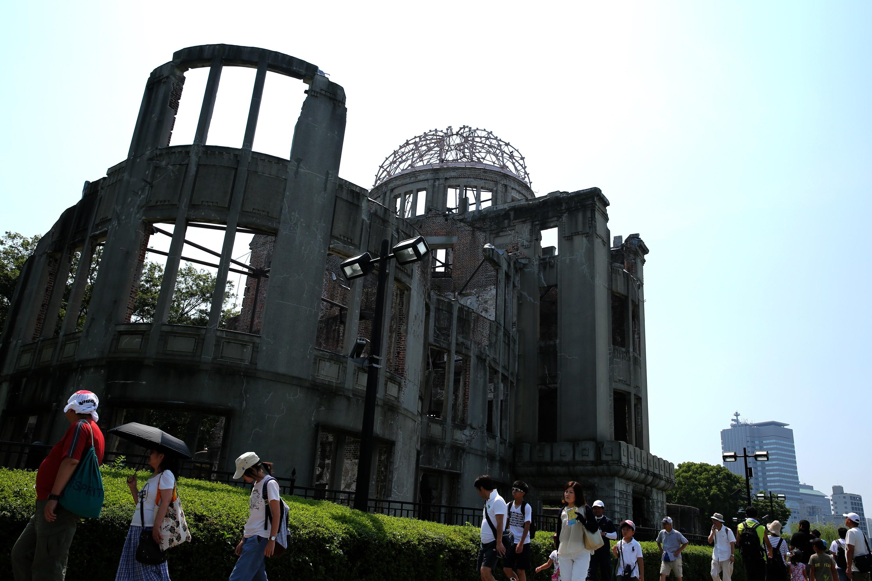Prédio do banco nacional do Japão, hoje dentro do Memorial da Paz, suportou o ataque nuclear (Foto: getty)