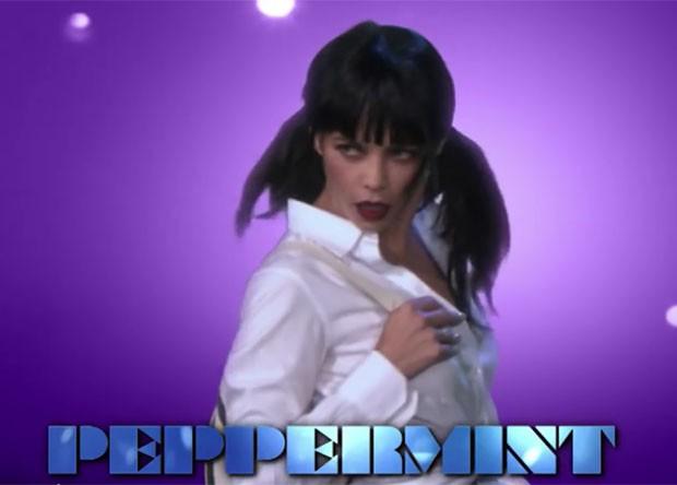 Jenna Dewan Tatum em paródia de Magic Mike (Foto: Reprodução)