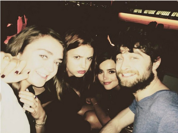 Maisie Williams, Hannah Murray, Jenna Coleman e Daniel Radcliffe (Foto: Reprodução/Instagram)