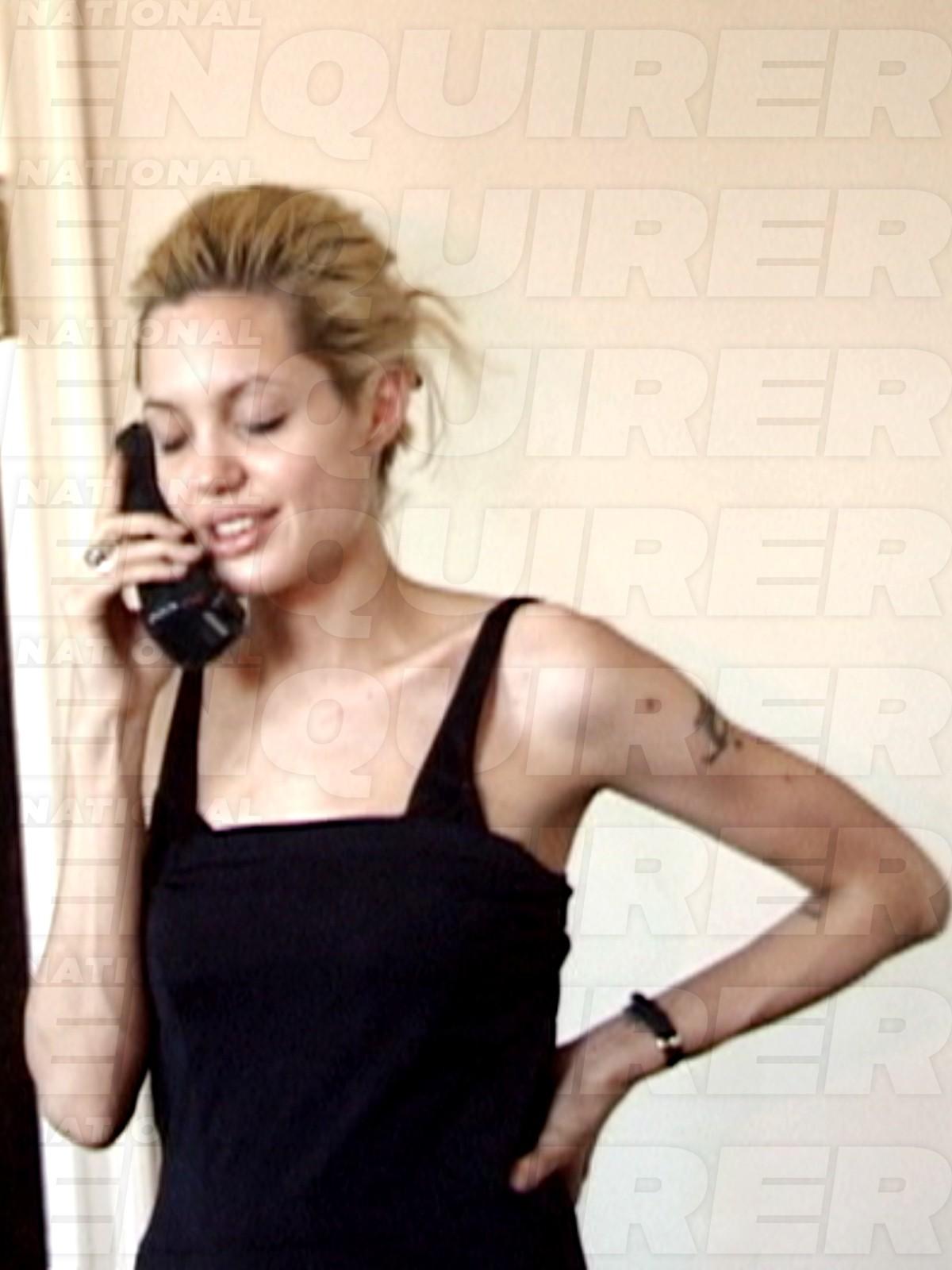 National Enquirer divulga fotos de Angelina Jolie na década de 90 (Foto: Reprodução/National Enquirer)