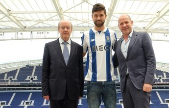 Porto anuncia contratação do zagueiro Felipe por cinco temporadas