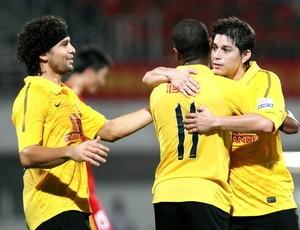 Elkeson, Muriqui e Conca Guangzhou (Foto: Sina.com)