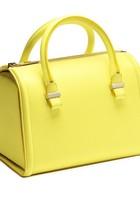 Filha caçula de Victoria Beckham dá nome a bolsas no valor de R$ 11 mil