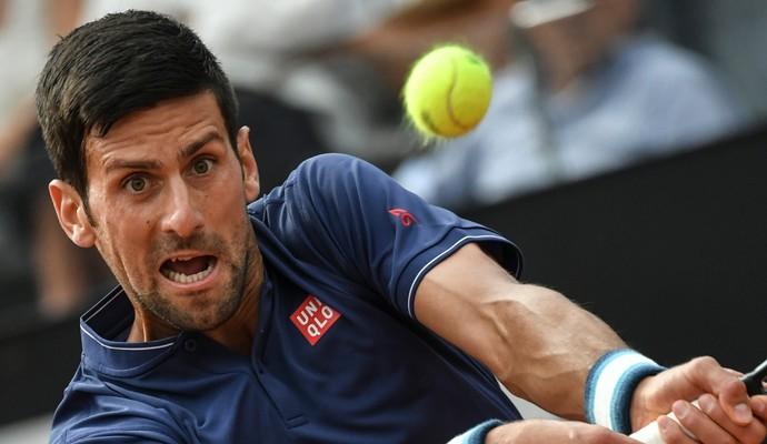 Novak Djokovic na vitória sobre Aljaz Bedene pelo Masters 1000 de Roma (Foto: ANDREAS SOLARO / AFP)