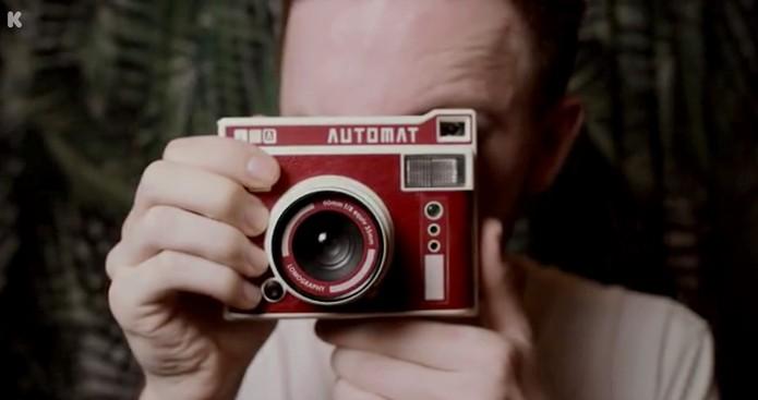 Câmera LomoInstant tem design colorido e compacto (Foto  Divulgação  Kickstarter) f13239e312