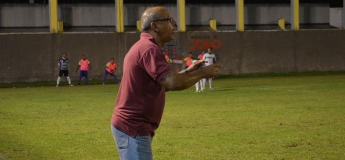 Neto Maradona, treinador do Lucena (Foto: Hévilla Wanderley / GloboEsporte.com/pb)