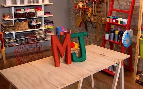 Aprenda a fazer letras decorativas para mudar as paredes de casa