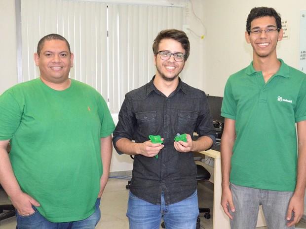 Equipe 'Questão de Brio', formada por estudantes de engenharia elétrica do IFPB, é finalista de evento de desenvolvimento tecnológico (Foto: Daniela Espínola/IFPB)