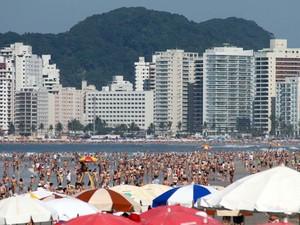 Praia da enseada, Guarujá, Páscoa (Foto: Grizar Júnior/ AE)