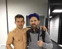 Adversários no UFC 198, Demian Maia e Matt Brown posam juntos após duelo
