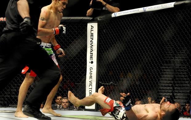 UFC 173 Tony Ferguson e Katsunori Kikuno (Foto: Agência Reuters)