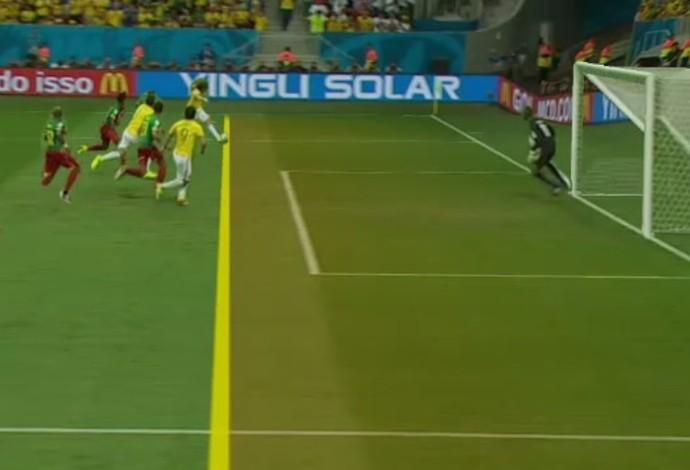 Fred em posição legal no terceiro gol (Foto: Reprodução SporTV)