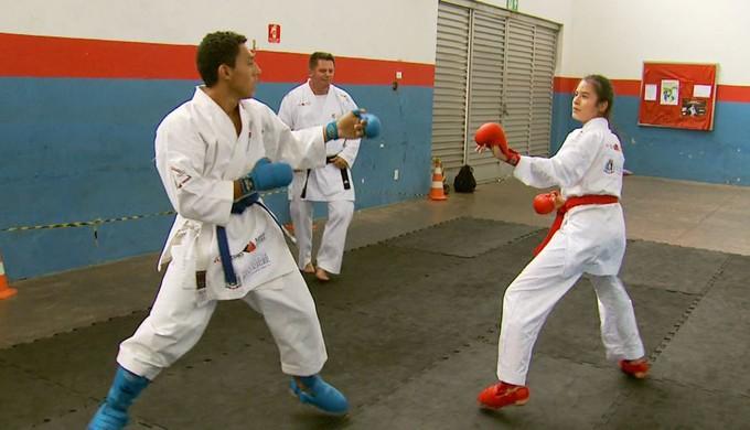 Bárbara Hellen Rodrigues, karateca de Pouso Alegre (MG) (Foto: Reprodução EPTV)