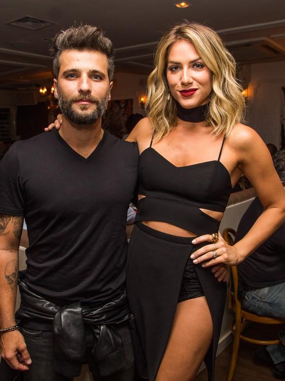 Bruno Gagliasso e Giovanna Ewbank : casal comanda jantar com renda revertida para instituições que atuam em diversas frentes  (Foto: Divulgação)