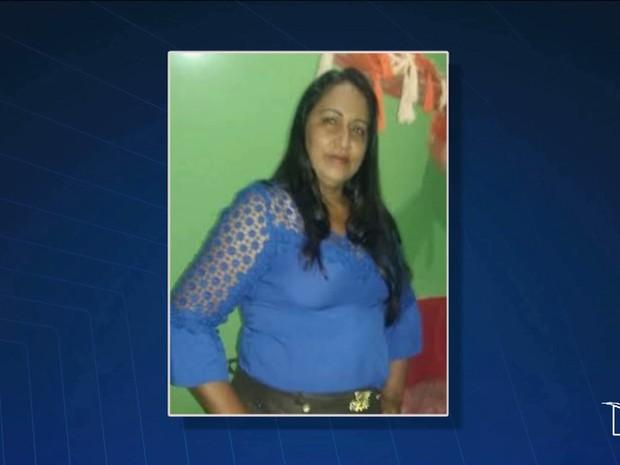 Luce Maria Pereira Almeida, de 44 anos, foi morta a tiros nesta terça-feira (3) (Foto: Reprodução/TV Mirante)