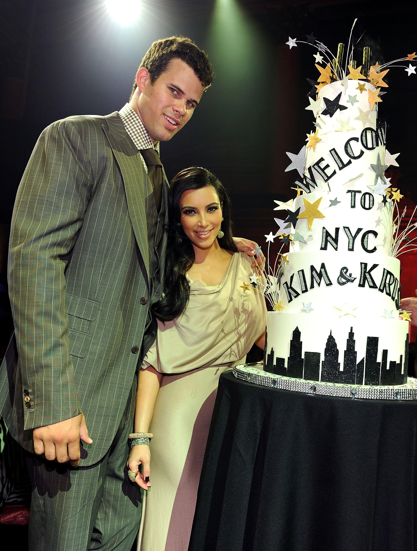 Depois de 72 dias de casamento, os dois terminaram e não foi de acordo mútuo. Kris descobriu o divórcio através do TMZ enquanto Kim estava indo para a Austrália para promover sua linha de bolsas de mão.  (Foto: Getty Images)
