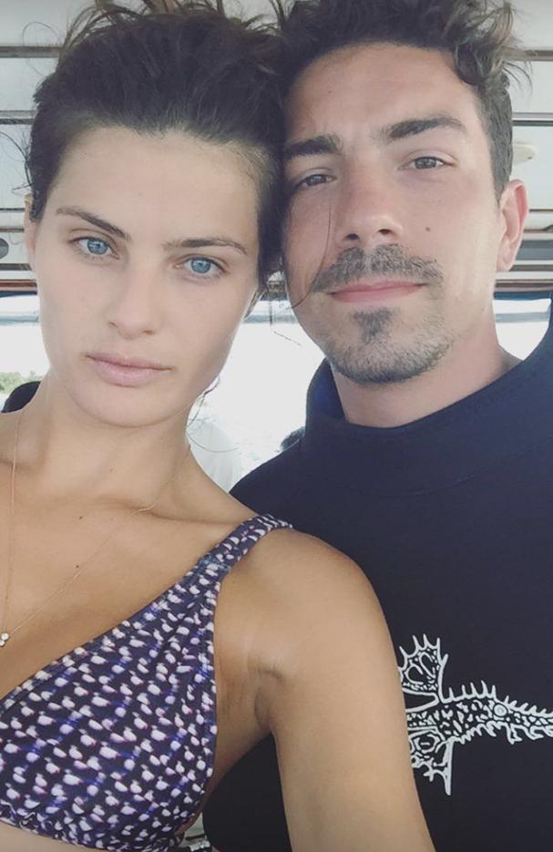 Isabeli Fontana e Di Ferrero tiram selfie antes de passeio de mergulho (Foto: Reprodução/ Instagram)
