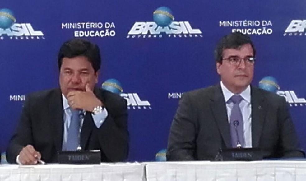 O ministro da Educação, Mendonça Filho, e o subsecretário de Política Fiscal da Secretaria do Tesouro Nacional, Adriano de Paula (Foto: Graziele Frederico/ G1)
