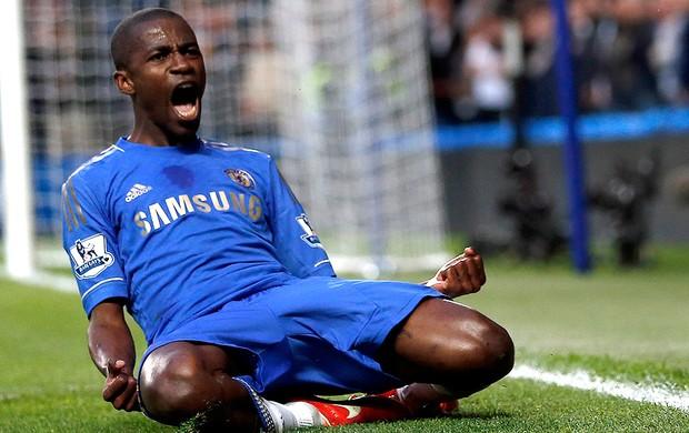 Ramires gol Chelsea contra Tottenham (Foto: Reuters)