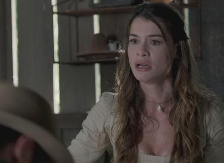 Lívia não encontra Bernardo e se desespera