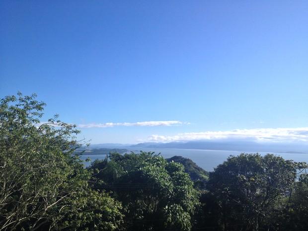 Em Florianópolis, retorno do sol fez temperaturas subirem na tarde desta segunda (9) (Foto: Mariana Faraco/G1)