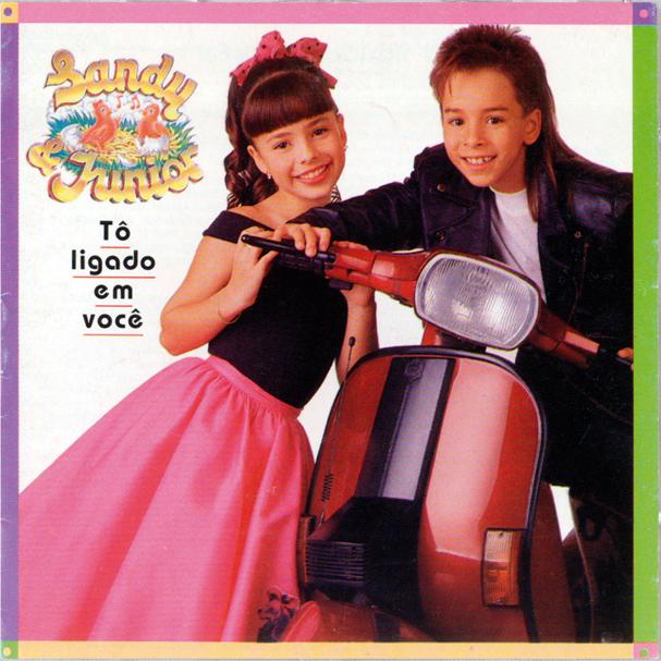 Tô Ligado em Você é o 3º álbum de estúdio da dupla Sandy & Junior, lançado em 1993 (Foto: Reprodução)
