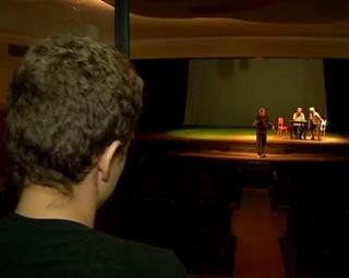 Teatro Celso Peçanha recebe o IV Festival Violeta de Prata (Foto: Reprodução/ TV Rio Sul)
