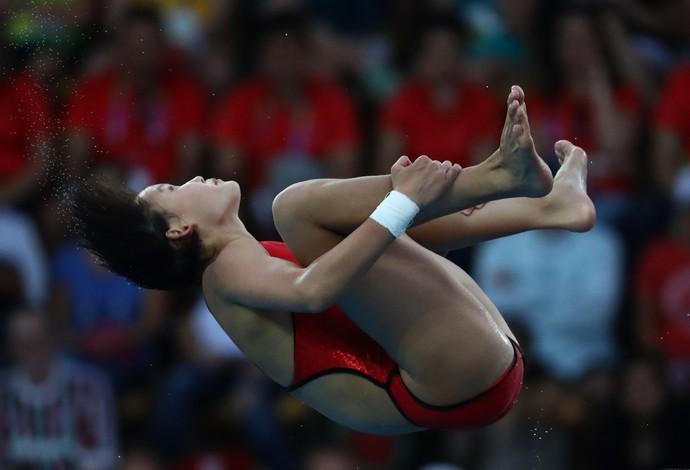 A chinesa Ren Qian, de 15 anos, ganhou a medalha de ouro na plataforma de 10 metros (Foto: Getty Images)