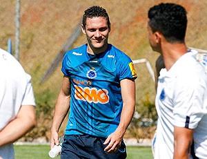 Javier Reina treino Cruzeiro  (Foto: Washington Alves / VIPCOMM)